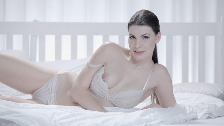 X-Art Sandra in Simply Stunning with Jordan 1