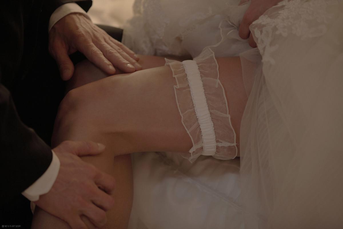 Порнуха сделал оригинальный подарок невесте 11 фотография