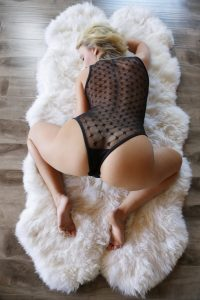 x-art_zoey_taylor_perfectly_taylored-2-sml