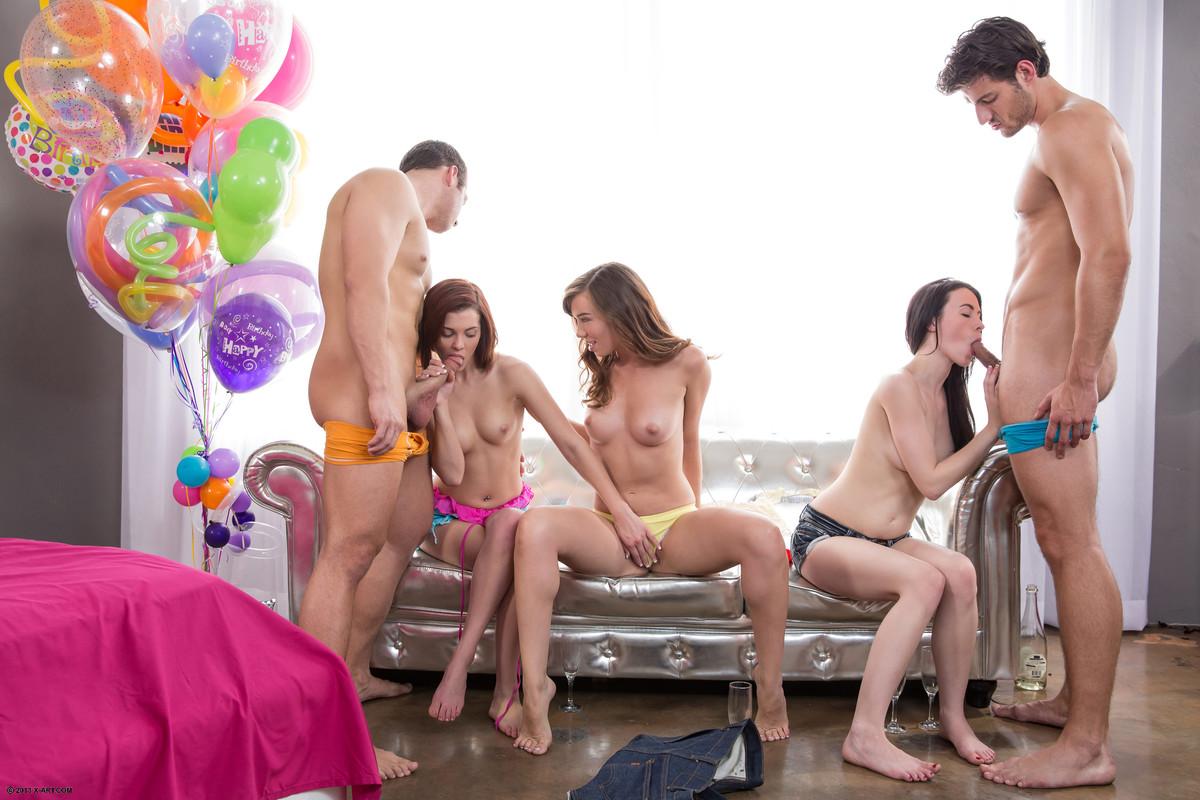 Трахнулись глазах день рождение порно групповуха смотреть